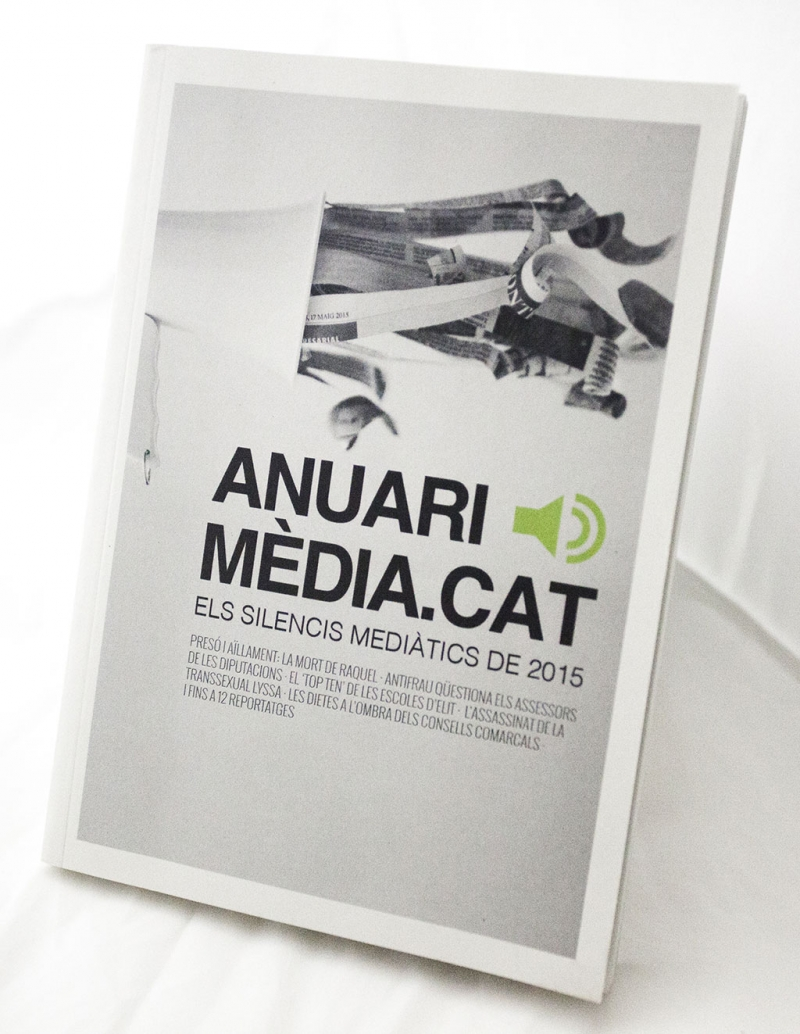 Anuari Mèdia.cat - Cover - FabrikaGrafika Editorial Design