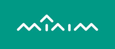 Logo 'Mínim' negativo fondo verde
